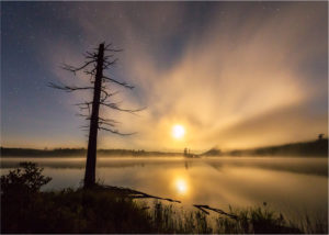 Moss Lake Moonset